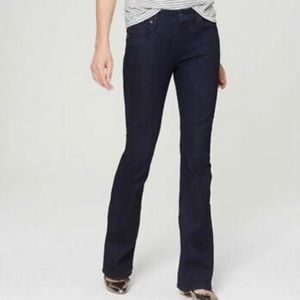 LOFT Modern Flare Medium Wash Sz 6